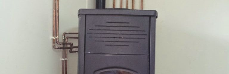 Estufa de pellets en una vivienda