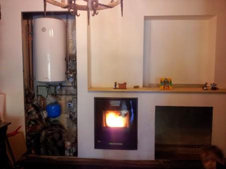 chimenea-pellets-con-acumulador-agua-caliente