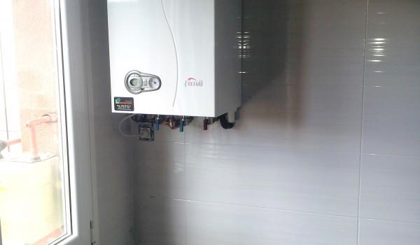 Reforma de fontanería en cocina con caldera